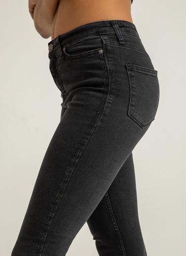 Foremia Kenarı Taş İşlemeli Yüksek Bel Jean Pantolon Siyah